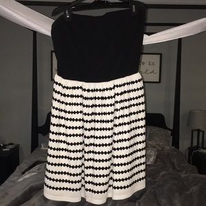 Strapless black and white cute dress